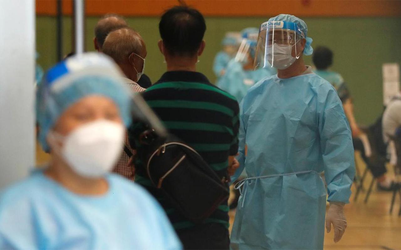 Hong Kong'da koronavirüs testi pozitif çıkanlara 645 dolar verilecek