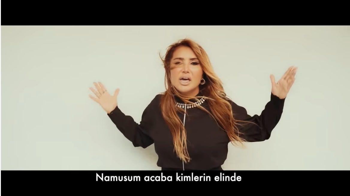 Yonca Evcimik'in açıklaması 'Ayıp Şeyler' şarkısından beter 'Özrü çok beklerler'