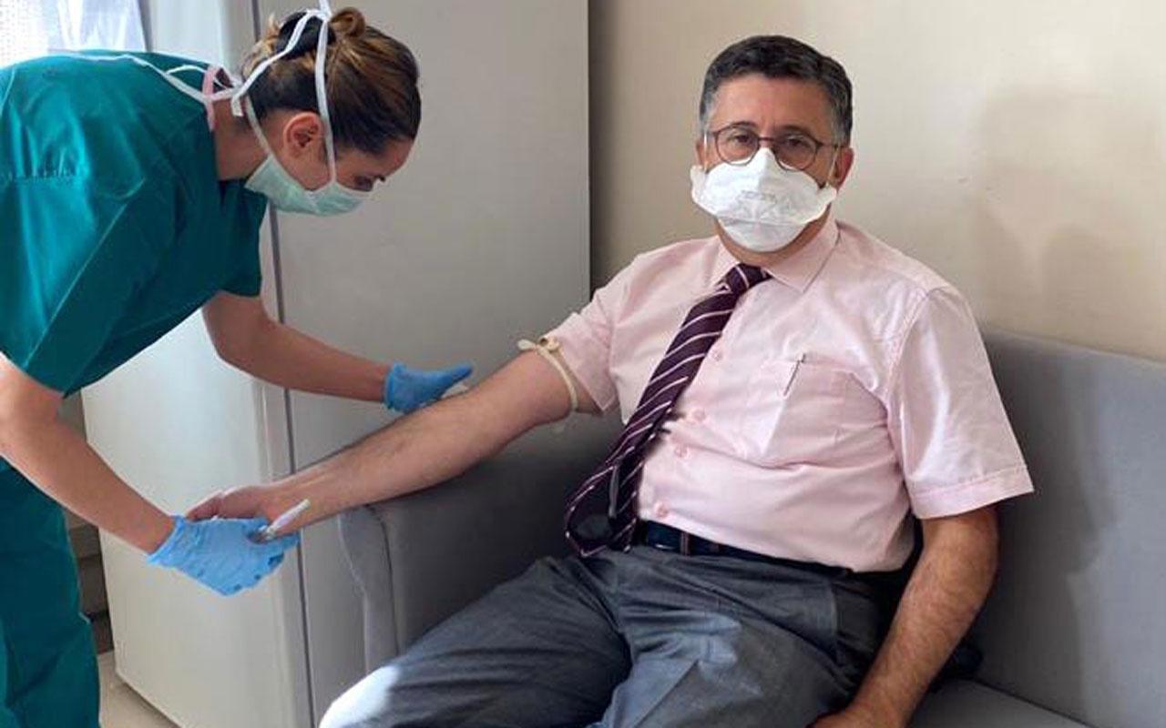 Koronavirüs aşısı yaptıran Prof. Necmettin Ünal gönüllü aşı olanları uyardı