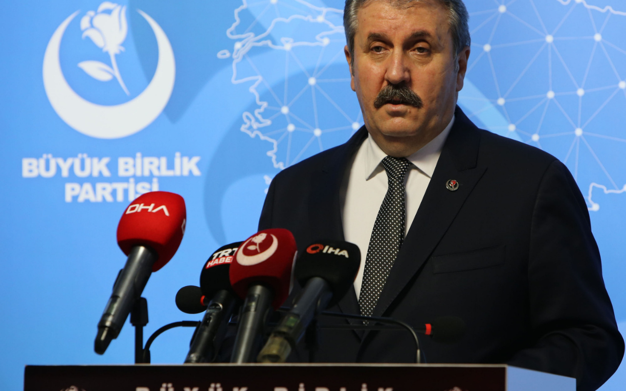 Mustafa Destici: Türk Silahlı Kuvvetleri üzerinden siyaset yapılmaz