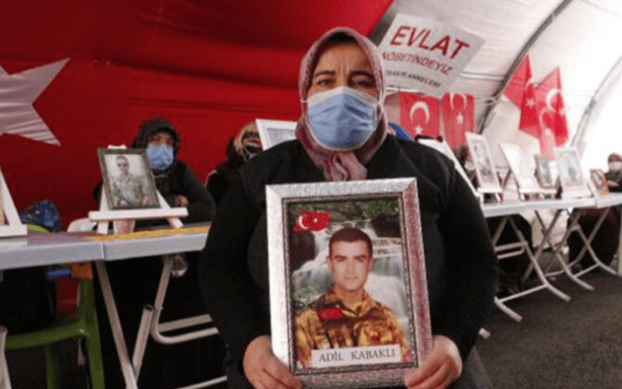 HDP önünde evlat nöbetindeki anne: Oğlumu HDP'den de PKK'dan da istiyorum