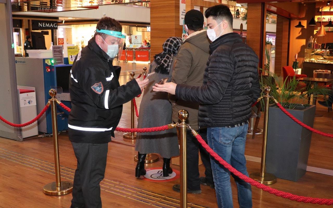 Sultanbeyli'deki 2 alışveriş merkezinde zorunlu HES kodu uygulaması başladı