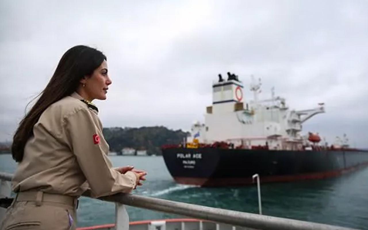 Kıyı Emniyetinin ilk kadın römorkör kaptanı dümen başına geçti
