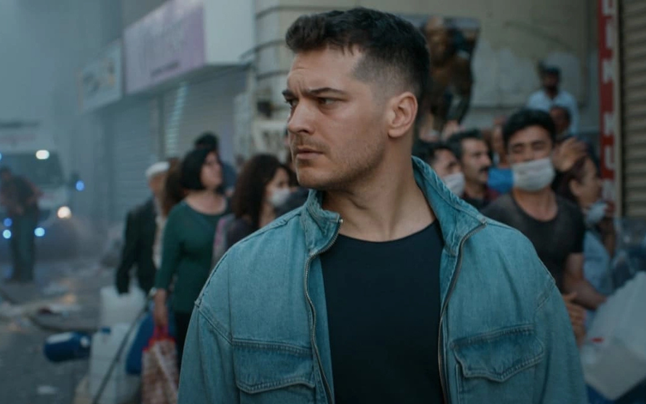 BluTV Çağatay Ulusoy'un yeni dizisini açıkladı! Herkesi ters köşe yapacak proje