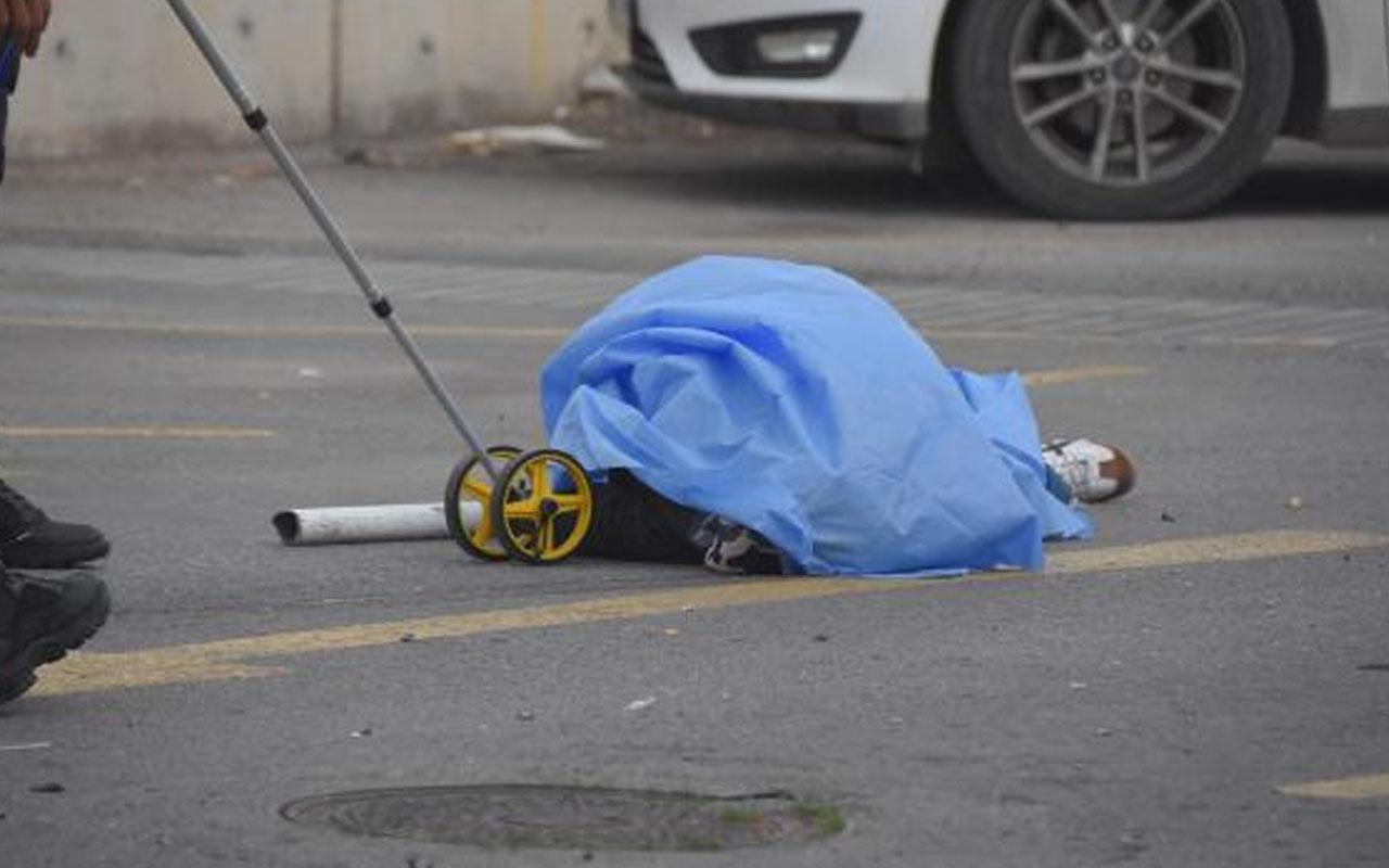 İzmir'de kontrolden çıkan otomobil dehşeti! 2 kadından biri hayatını kaybetti