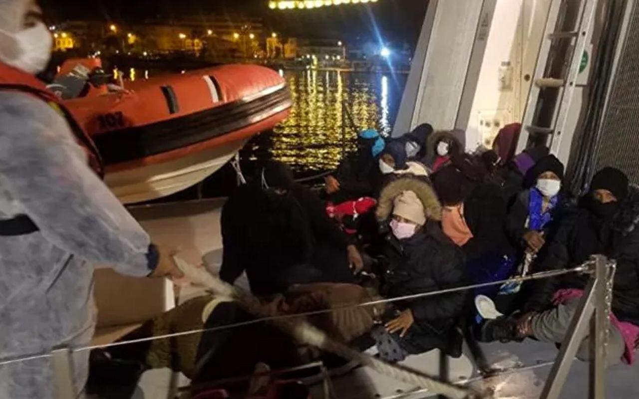 İzmir'de Türk kara sularına itilen 69 sığınmacı kurtarıldı