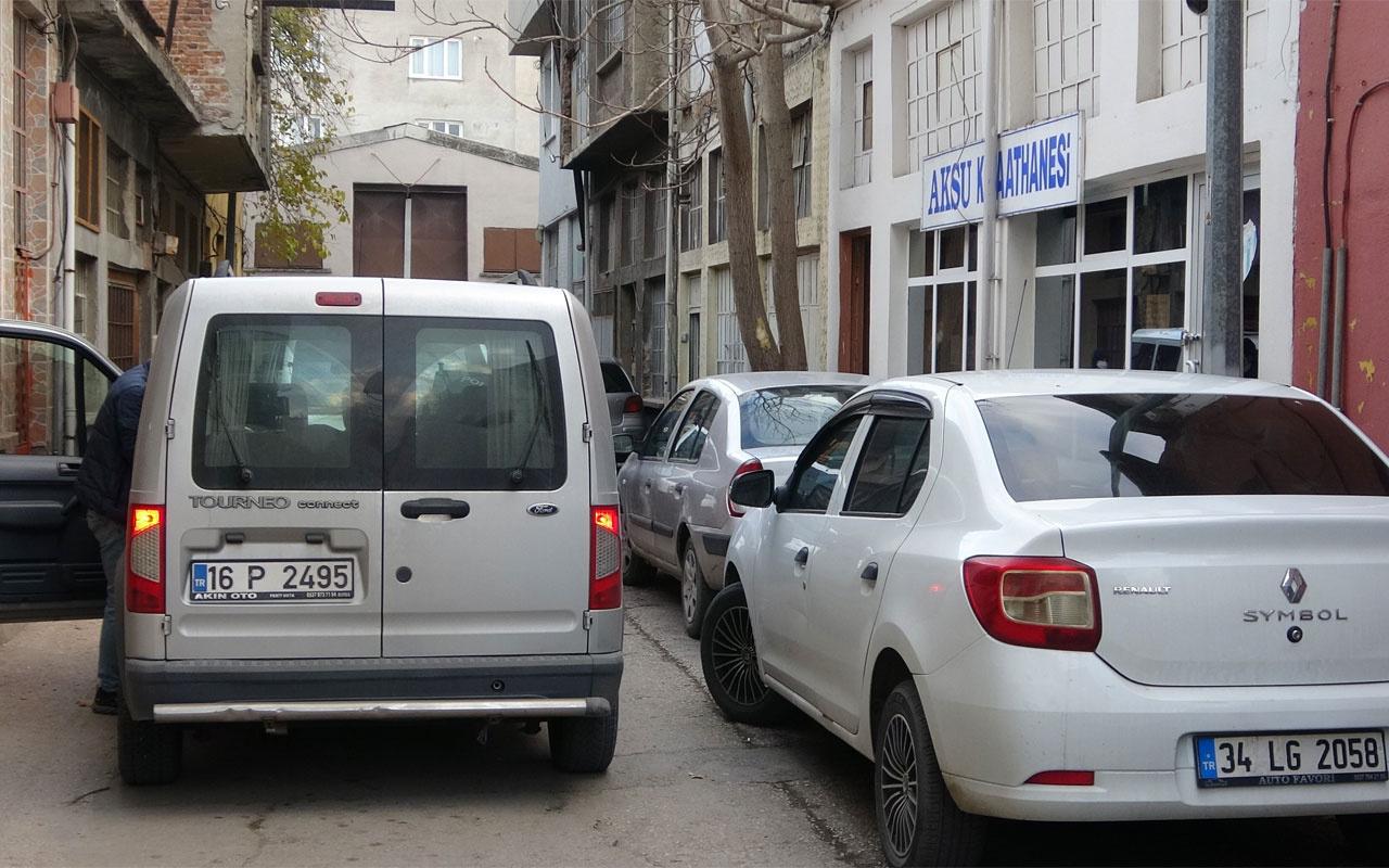 Bursa'da koronavirüsü hiçe sayıp kahvehanesini açtı ceza yedi