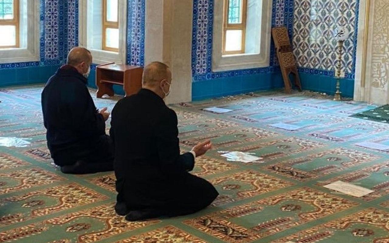 Cumhurbaşkanı Erdoğan ve Aliyev'den Bakü'deki Şehitler Camii'nde şükür namazı