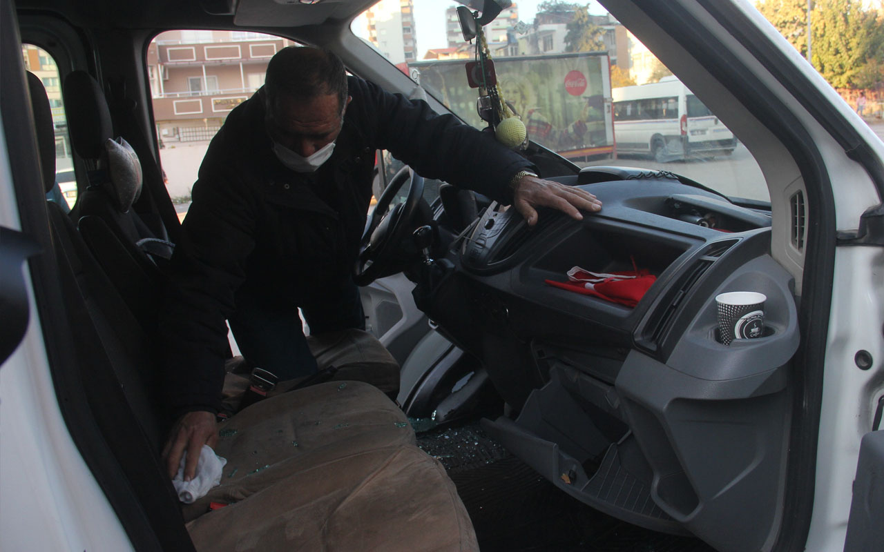 Adana'da namaz kılmak için camiye girdi hırsızlar aracından 21 bin lirasını çaldı