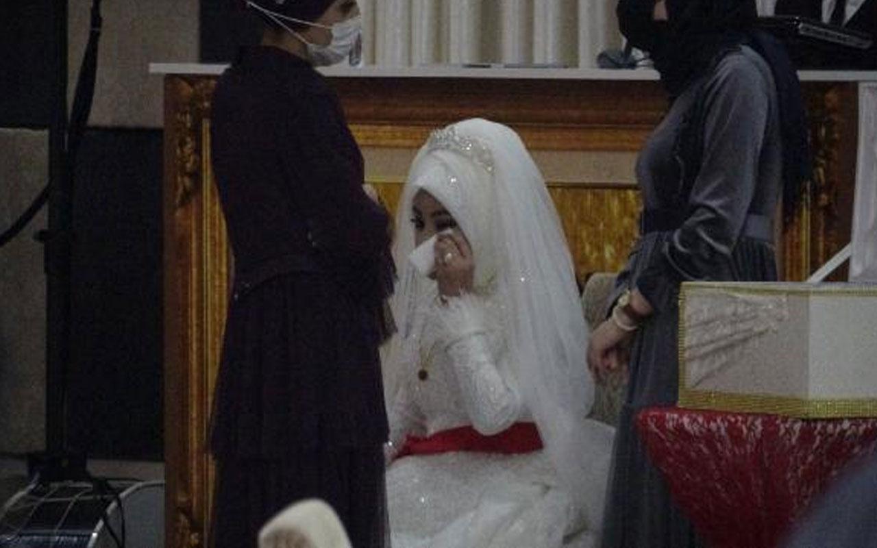 Bursa'da yasak olmasına karşın yapılan düğüne polis baskını! 25 kişiye 78 bin 750 lira ceza