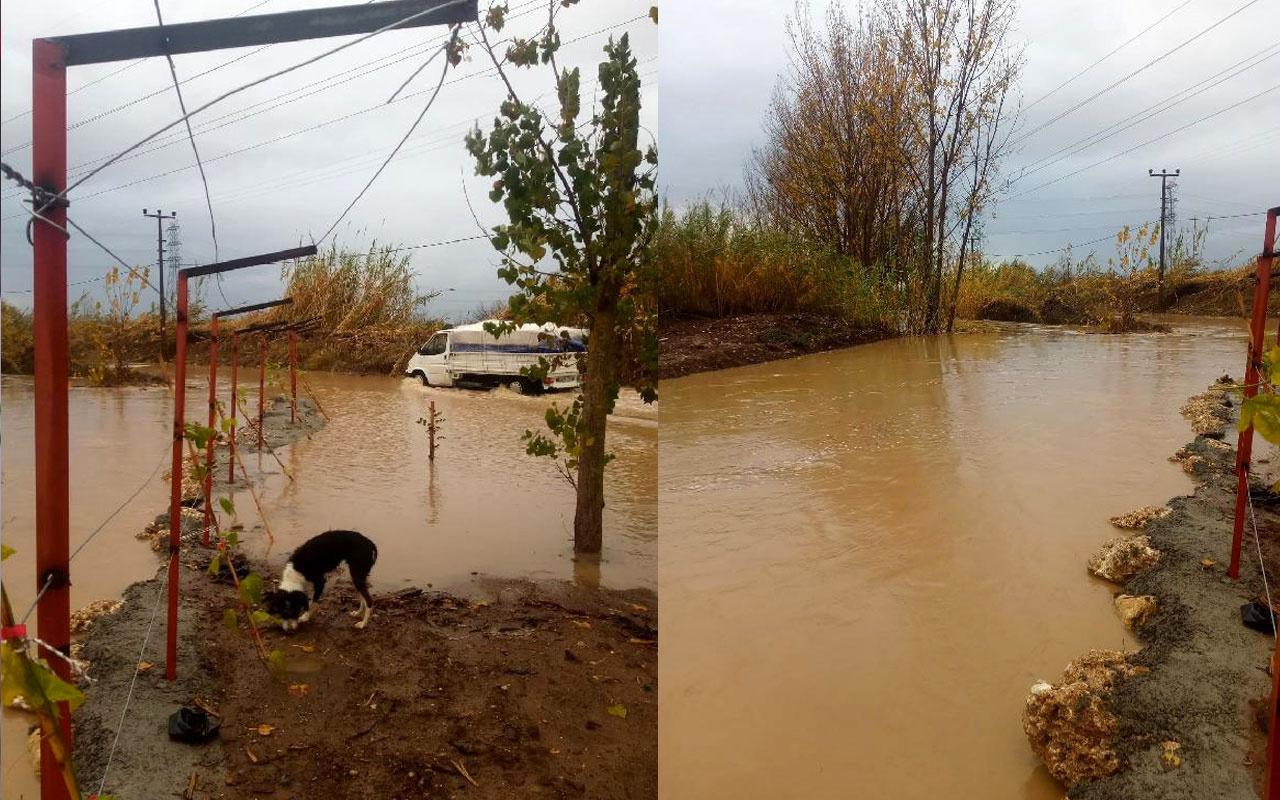 Serik'te sağanak; tarım alanları su altında kaldı