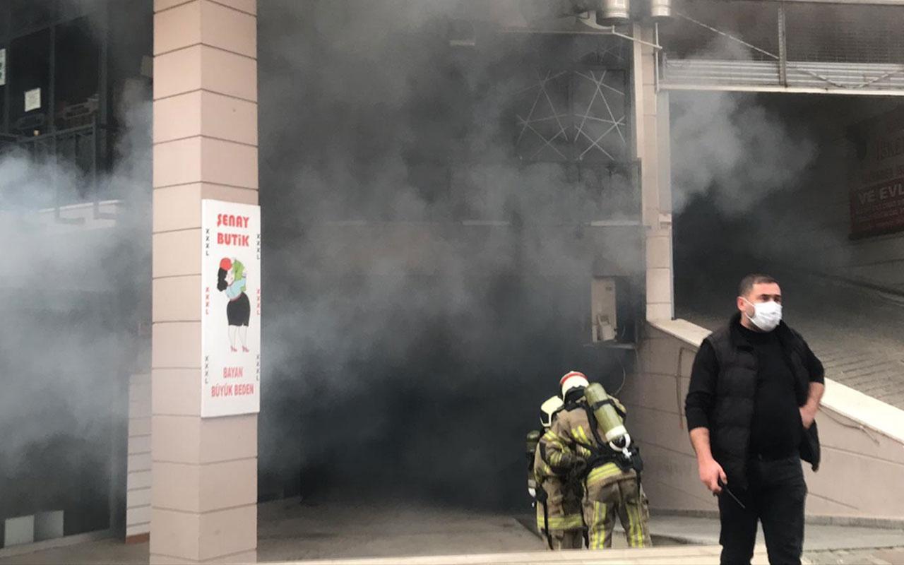 Bursa'da alışveriş merkezinde yangın çıktı! Ekipler olay yerinde