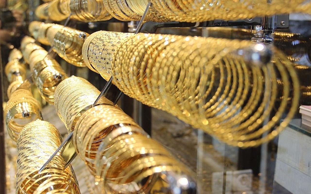 Altın fiyatlarında son durum ne? Gelecekte altın fiyatları ne olur düşer mi yükselir mi?