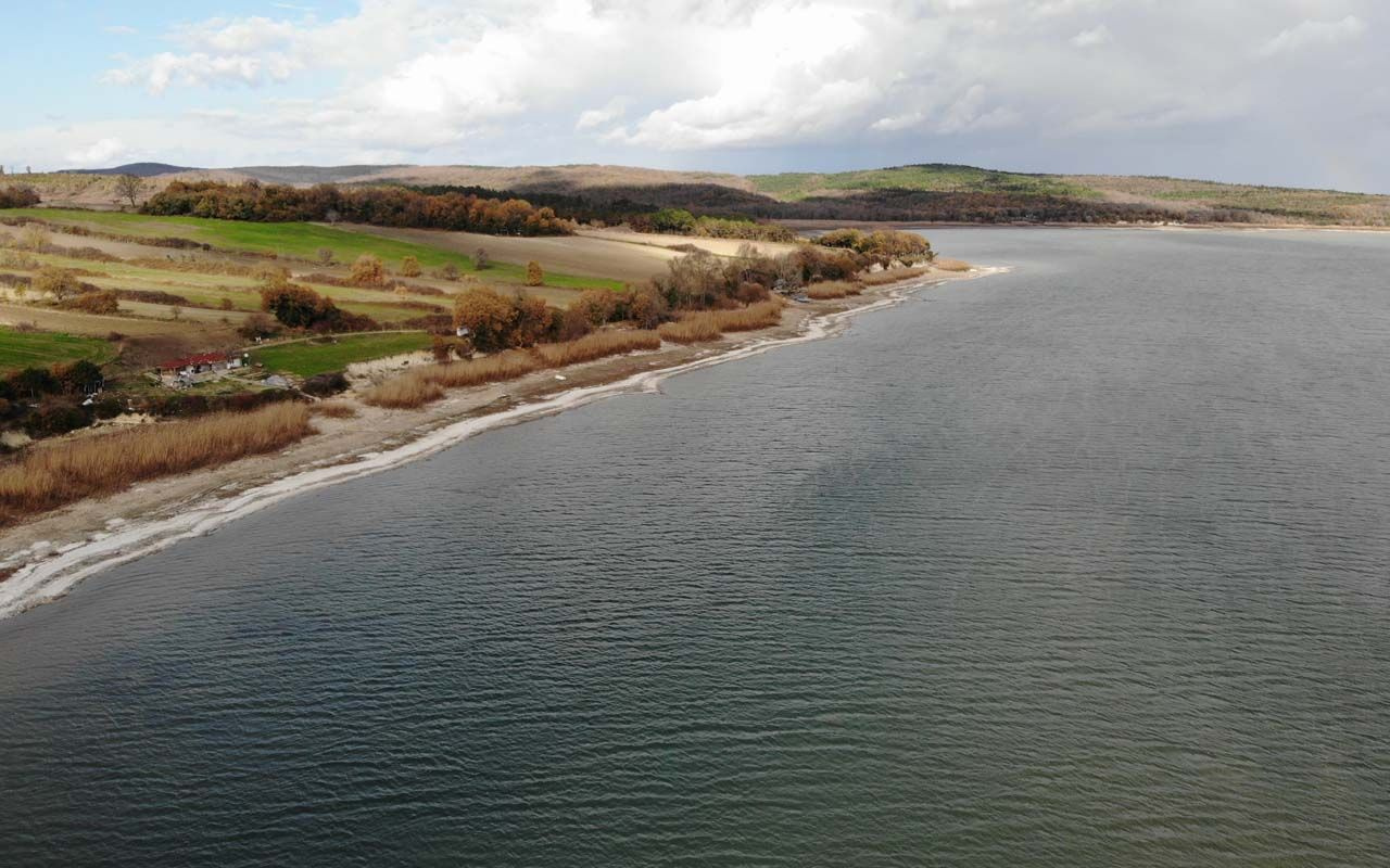 İstanbul'un barajları kuruyor! Önemli su kaynağı Terkos Gölü'ndeki görüntü korkuttu
