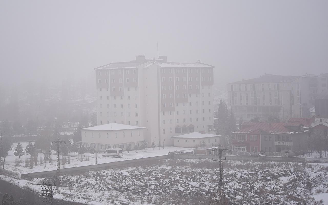 İstanbul'dan Kars'a yapılacak 2 uçak seferi sis nedeniyle iptal edildi