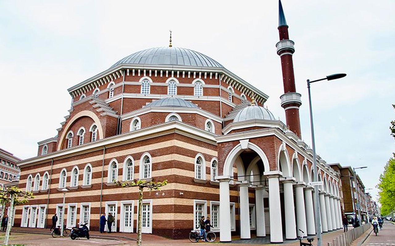Hollanda'da bulunan camiye alçakça saldırı!