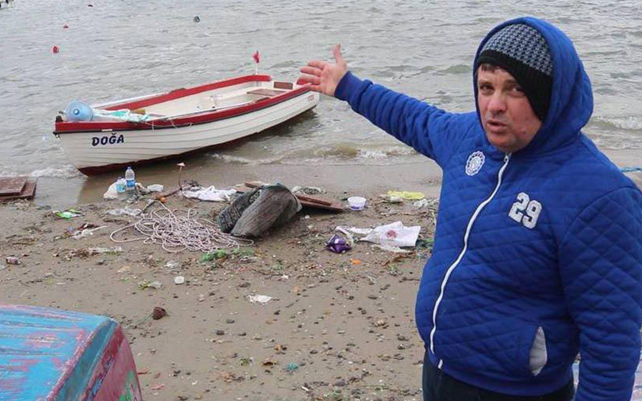 İzmir'de etkili olan fırtına Foça'da limanı vurdu! Sahilde sağlam tekne kalmadı