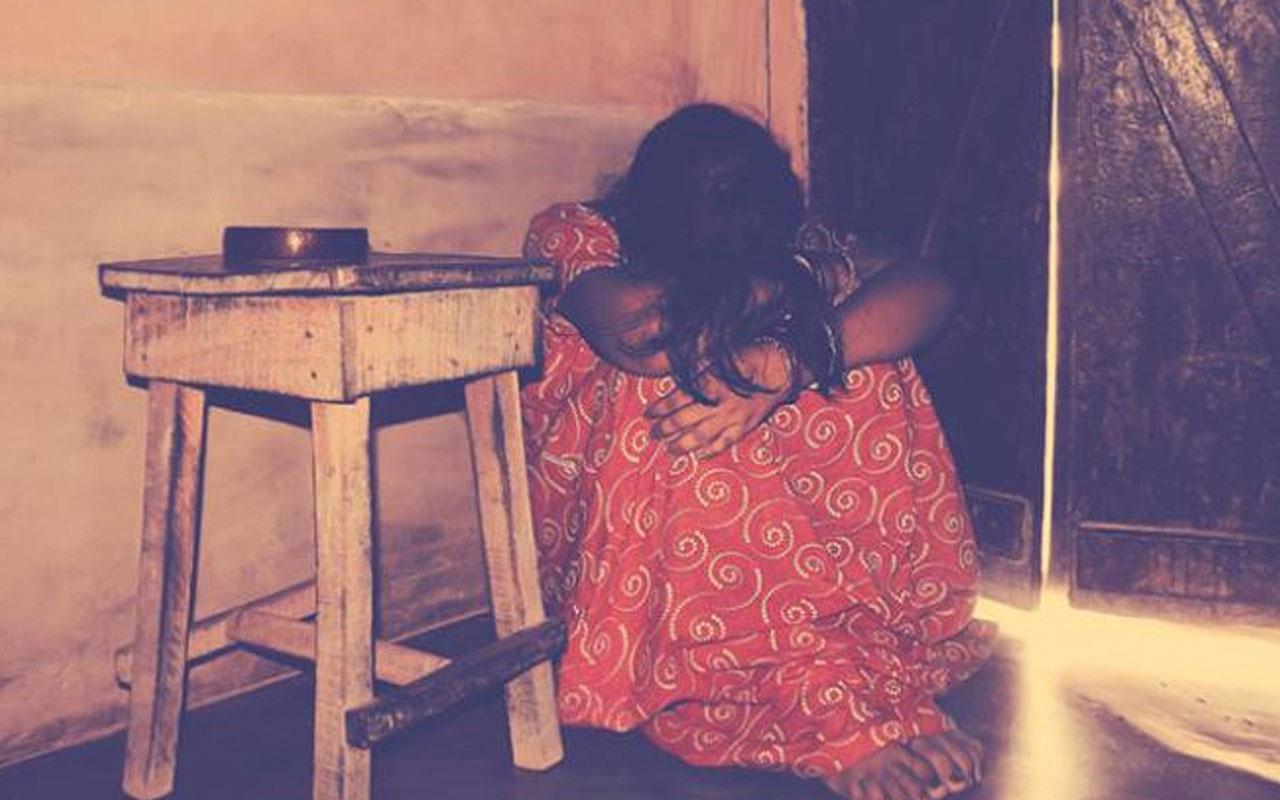 Hindistan'da kocası para karşılığı gönderdi! Genç kadına toplu tecavüz dehşeti
