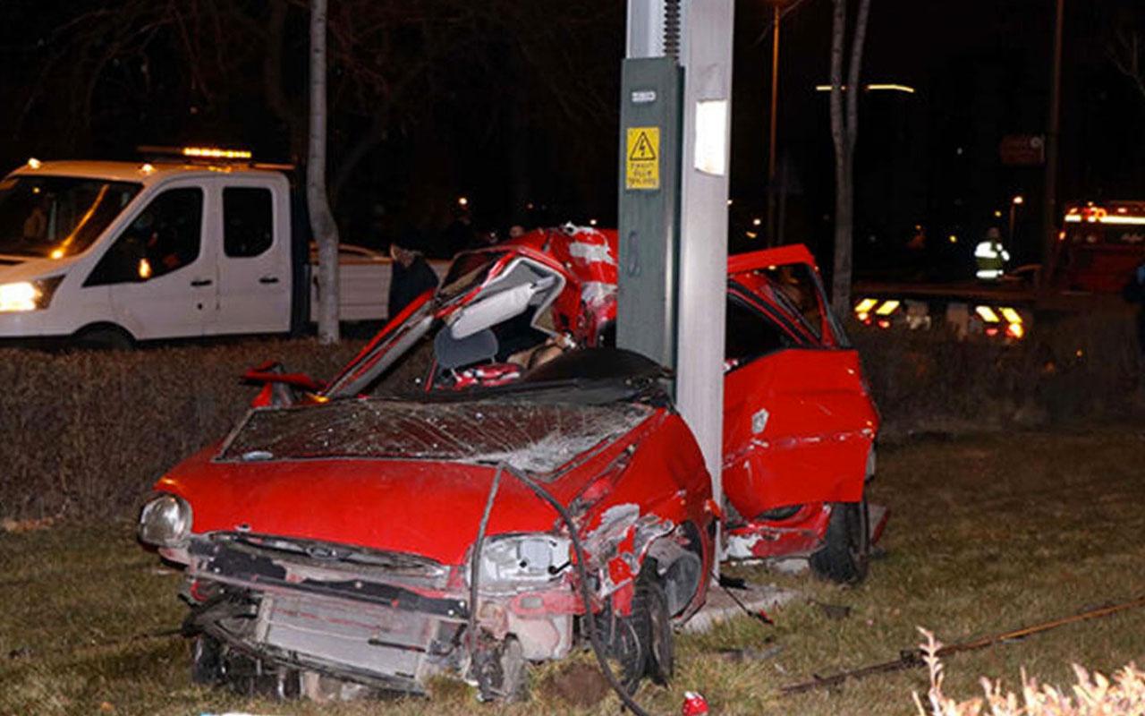 Kayseri'de feci kaza!  2 kişi öldü, 1 kişi yaralandı