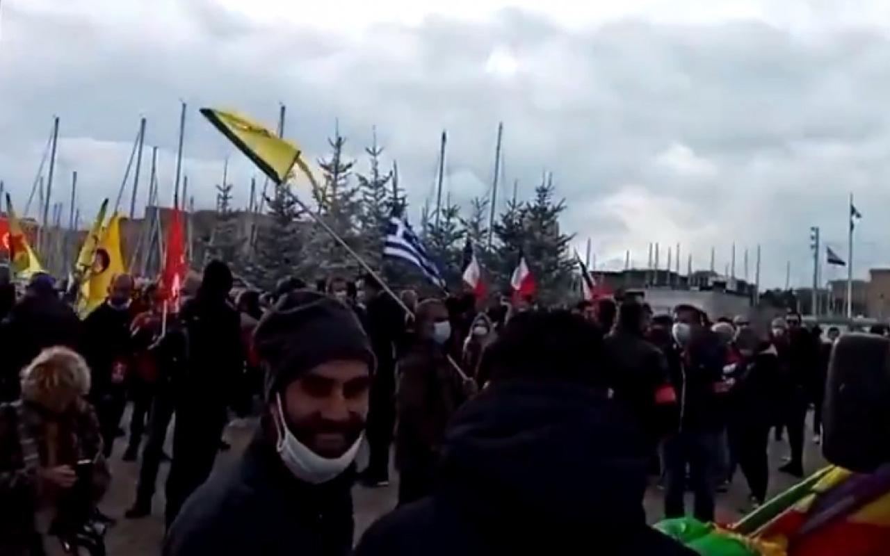 Fransa'da terör örgütü PKK, DHKP-C destekçilerinden Türkiye karşıtı protesto