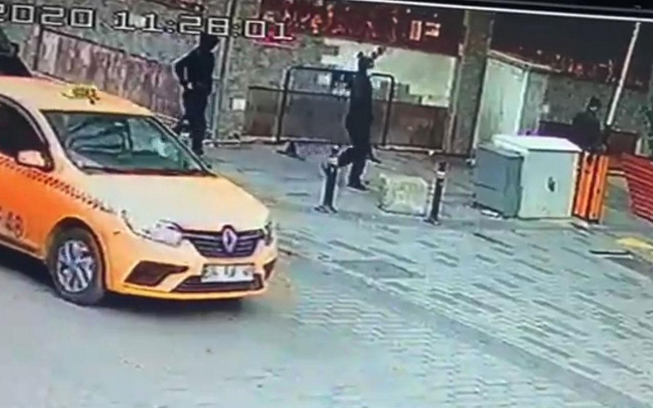 İstanbul'un göbeği Beyoğlu'nda adım adım gasp dehşeti kamerada