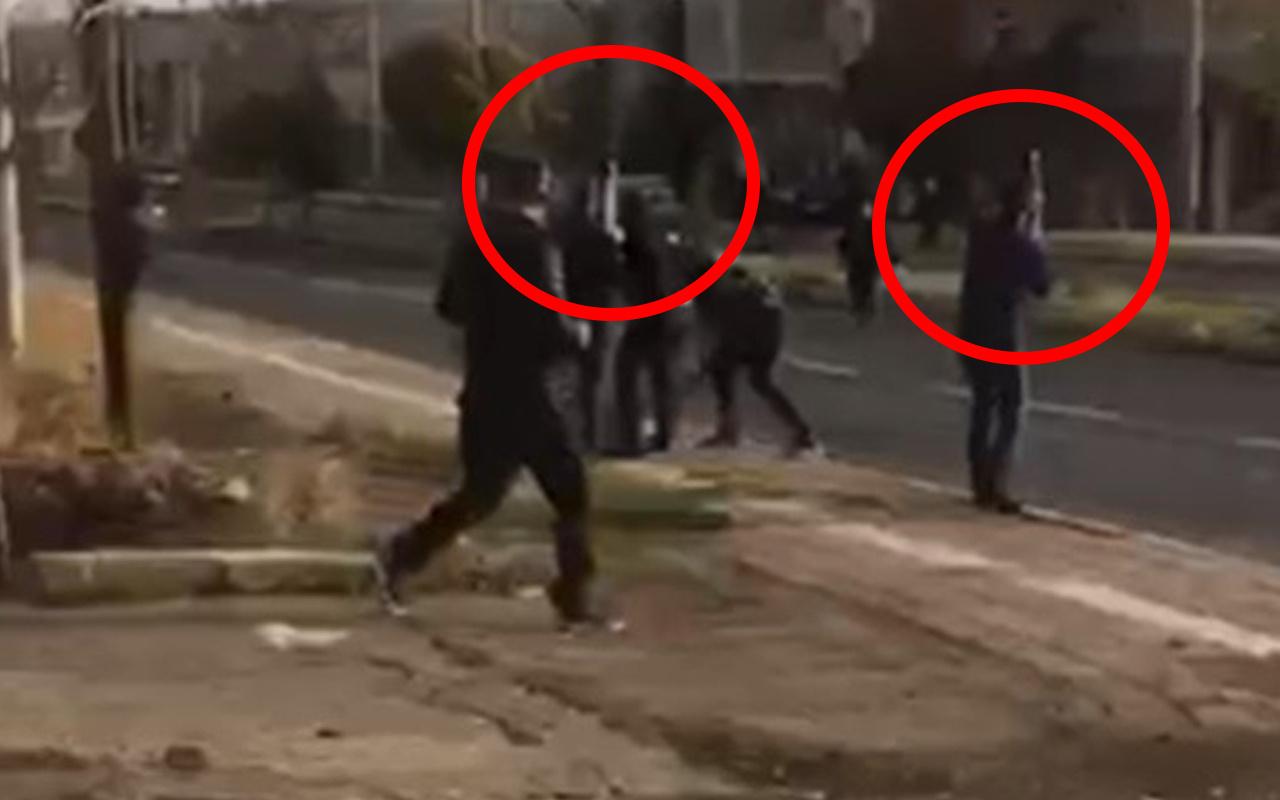 Mardin'de dehşete düşüren görüntü! Sokakta uzun namlulu silahlarla kavga