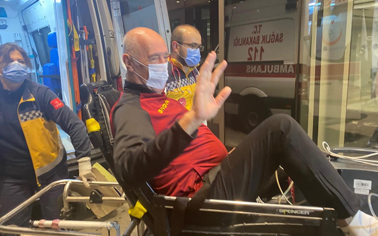 Başantrenör Nedim Özbey ambulansla hastaneye getirildi