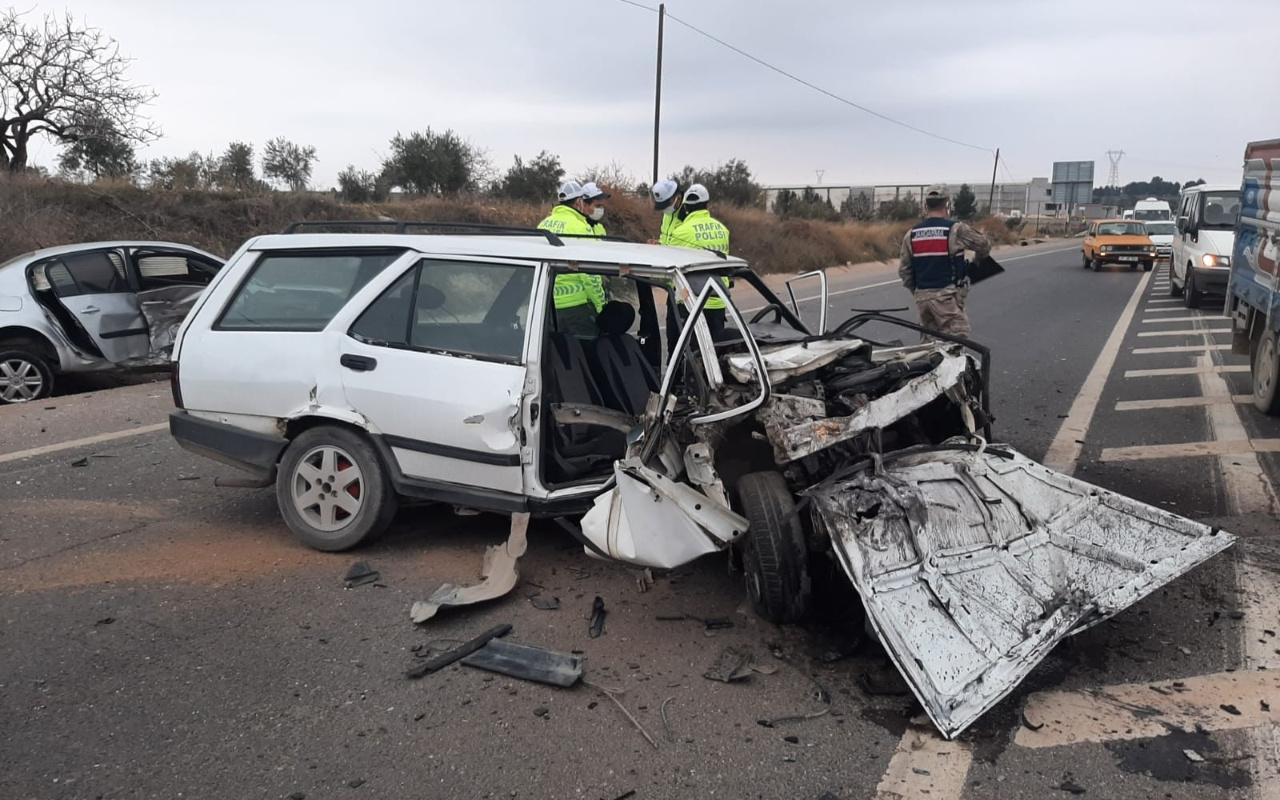 Gaziantep'te feci kaza! Kafa kafaya çarpıştı ölü ve yaralılar var