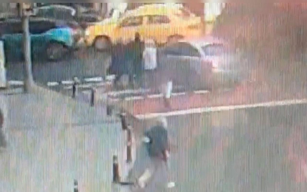 Şişli'de turist aileyi döve döve kapkaç yaptılar! Dehşet anları kameraya yakalandı