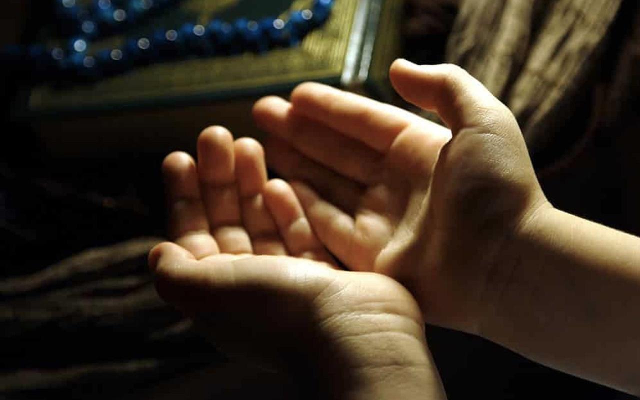 Cuma duası kısa Arapça cuma günü okunacak dualar hangisi