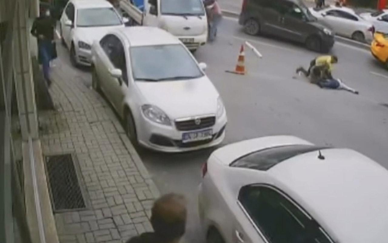 İstanbul'un göbeğinde dubalı, sopalı ve bıçaklı meydan kavgası kamerada