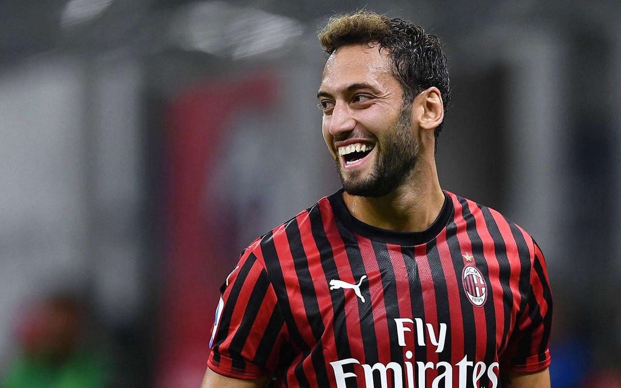 Milan, Hakan Çalhanoğlu ile sözleşme uzatmak istiyor