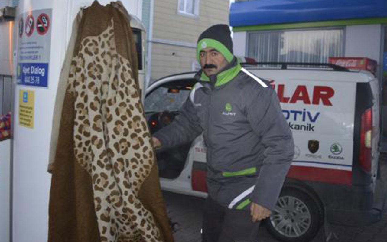 Sibirya soğuklarının esir aldığı Doğu Anadolu'da hayat dondu! Arabaları battaniyeye sardılar