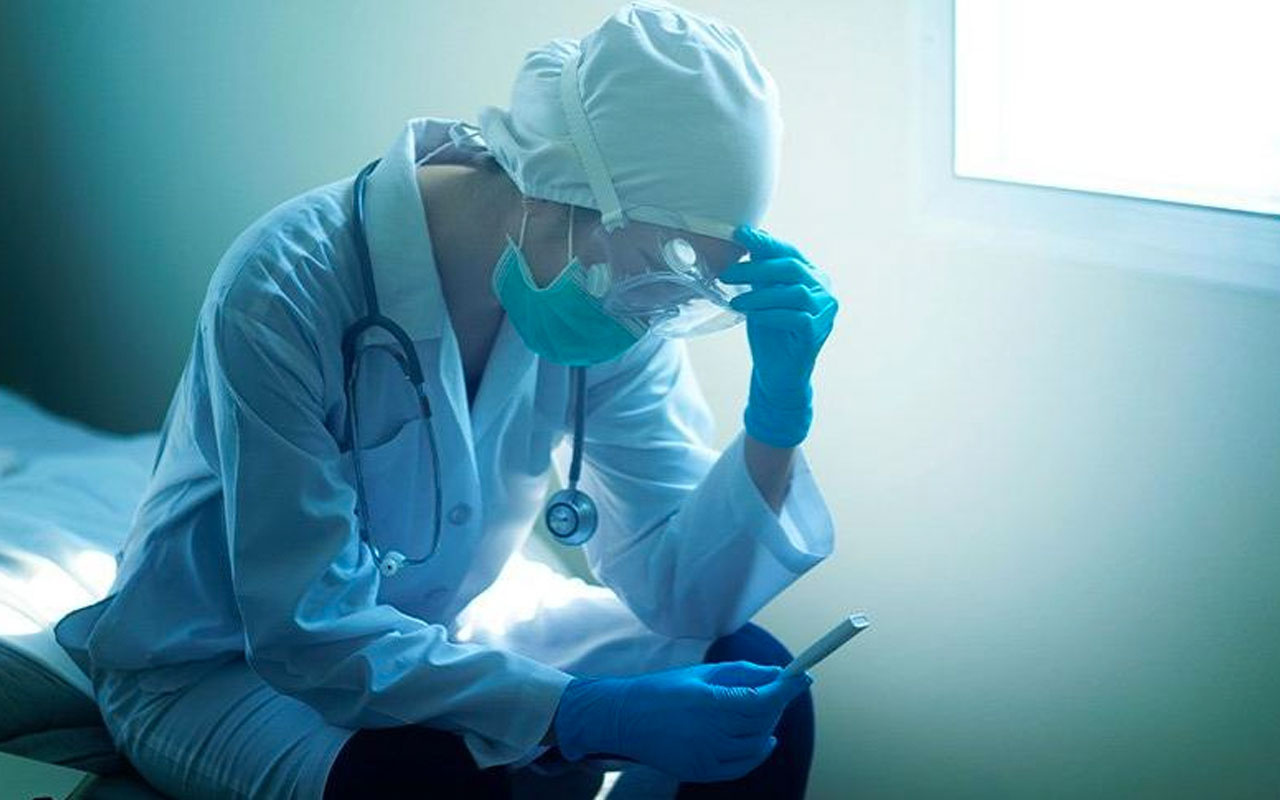 Kovid-19 ağızda çeşitli yaralara neden oluyor