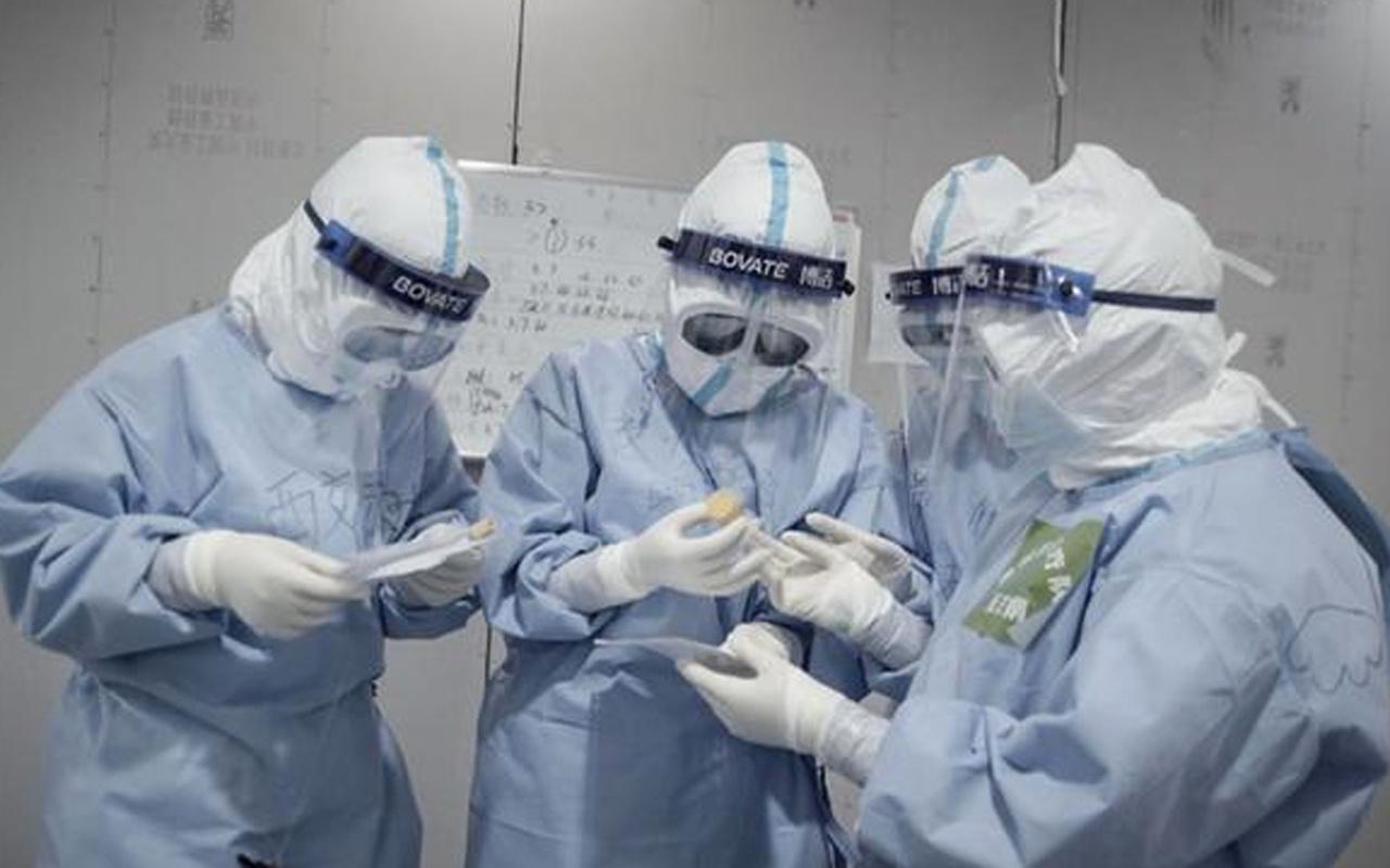 Yeni koronavirüs araştırmasıyla ortaya çıktı! 4 kat daha ağır geçiriyorlar