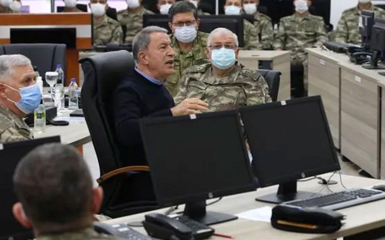 Milli Savunma Bakanı Hulusi Akar ve komutanlardan sınırda inceleme