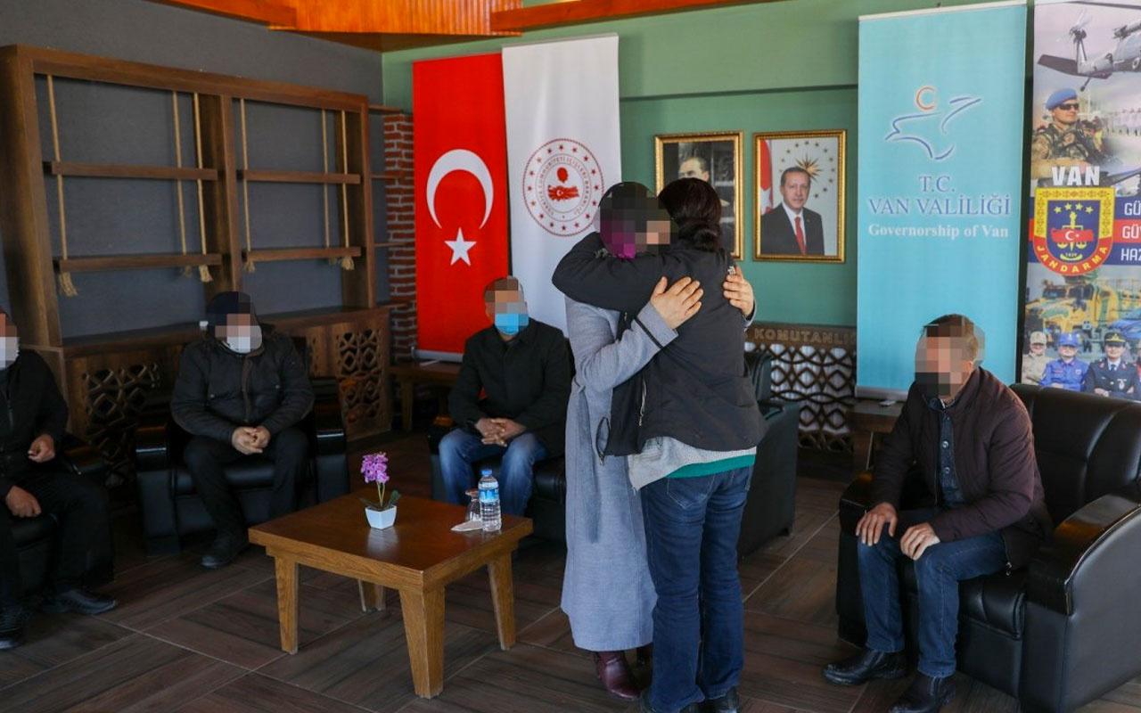 Teslim olan terör örgütü PKK mensubu kadın ailesiyle buluştu