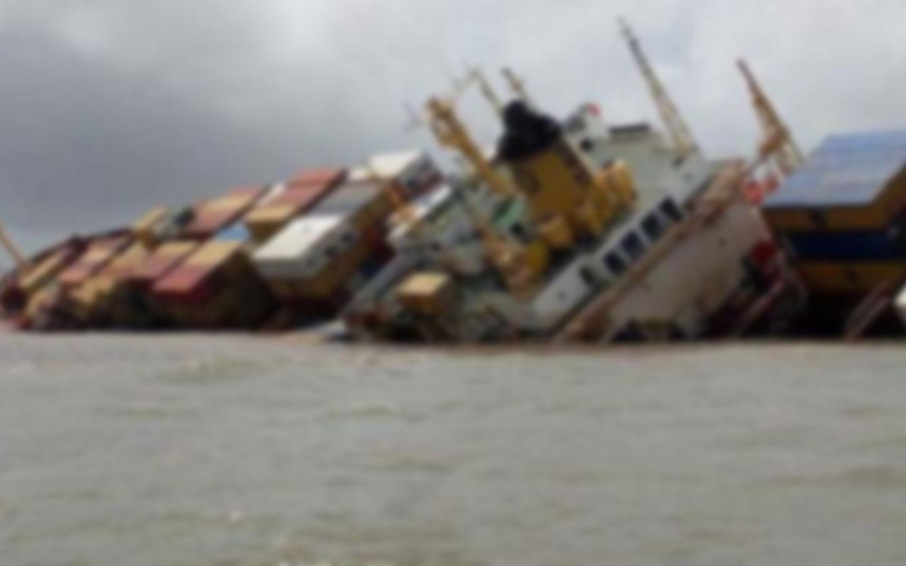 Çin'de yük gemisi battı! 2 kişi öldü