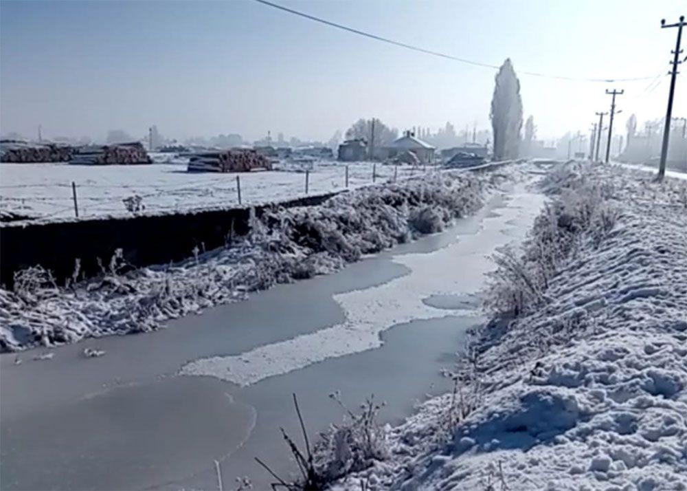 Ardahan dondu! Göle'de termometreler eksi 25'i gördü