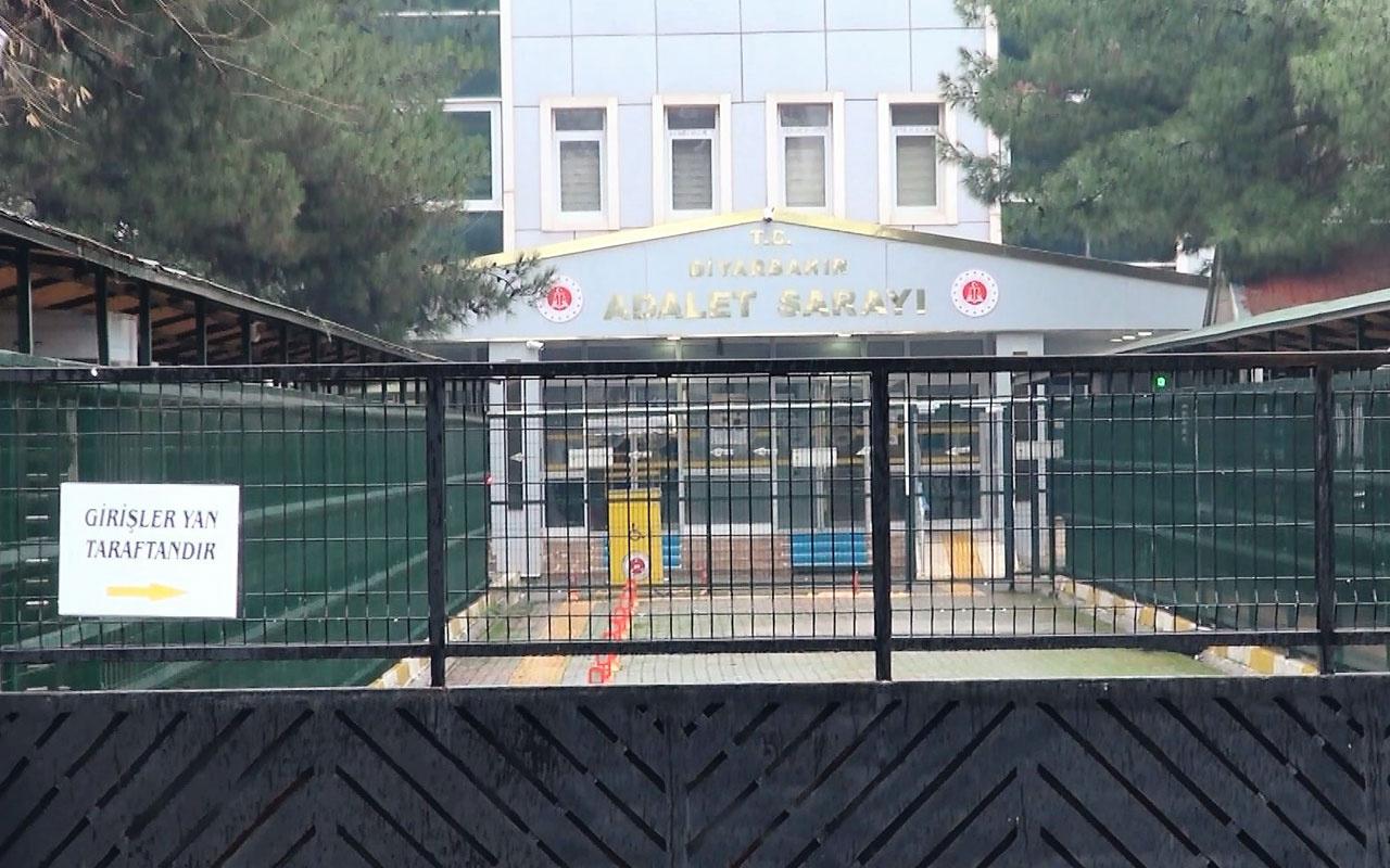 Diyarbakır'da derslerde PKK propagandası yapan öğretmen gözaltına alındı