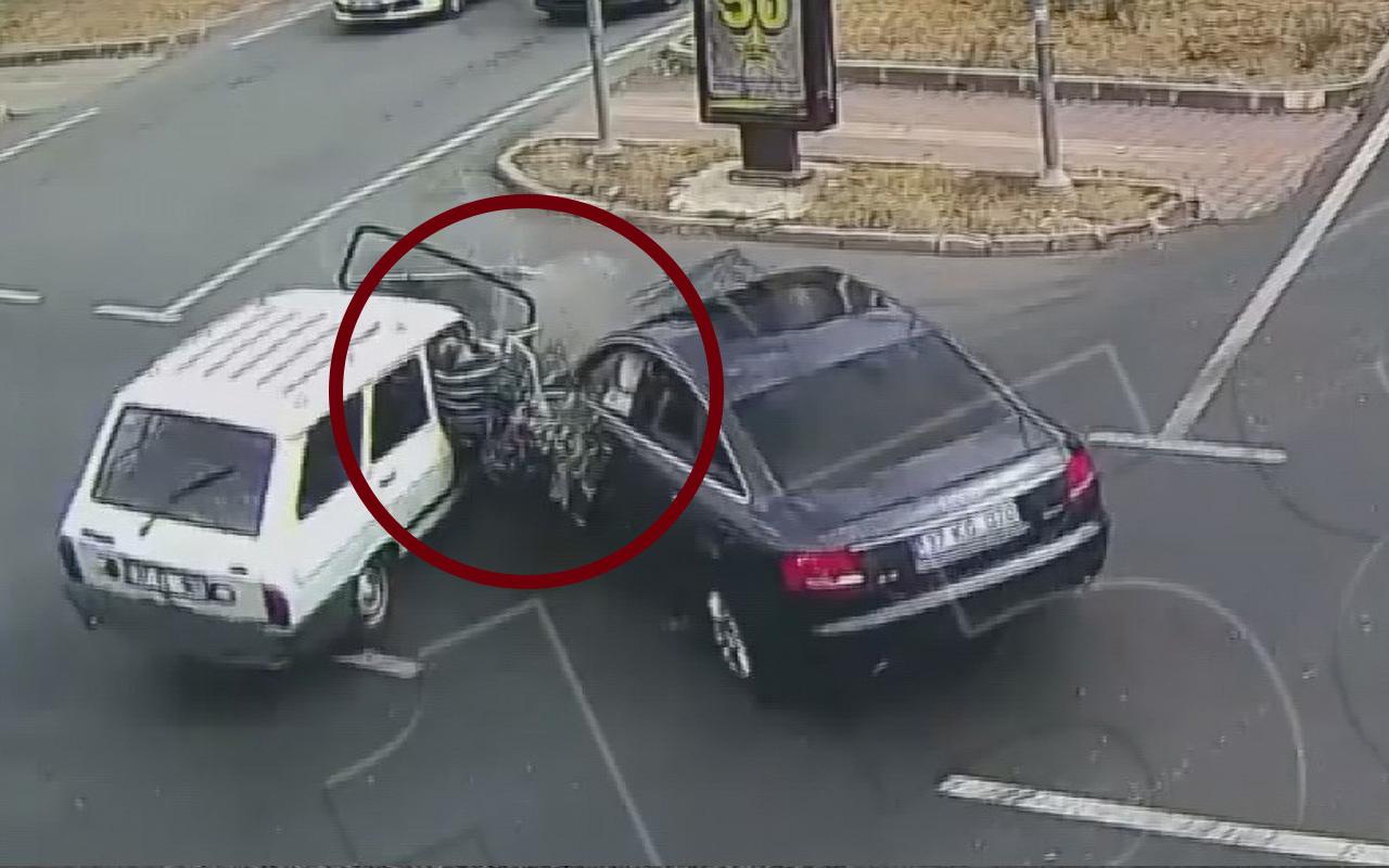 Kastamonu'da emniyet kemeri takmayın kadının otomobilden fırladığı anlar kamerada