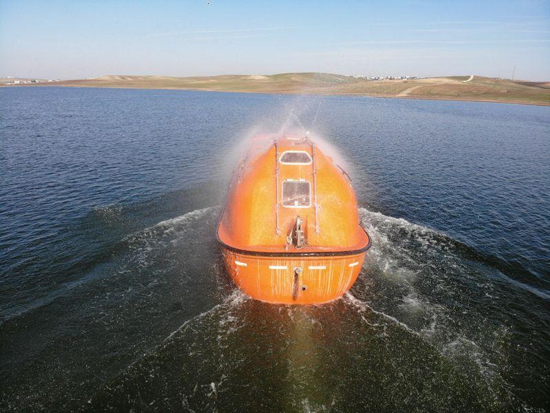 Denizi olmayan Diyarbakır'da İzmir'den getirilen 'denizaltı' ile ulaşımı sağlıyorlar