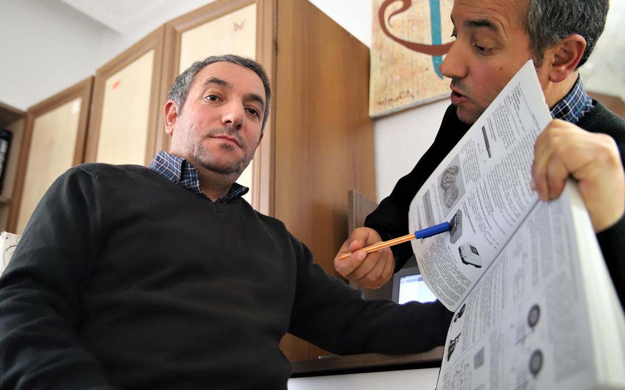 Elazığ'da 8 yıl günde 8 km yürüdü 1.'likle bitirdi! 15 kez KPSS'ye girip hayalini gerçekleştirdi