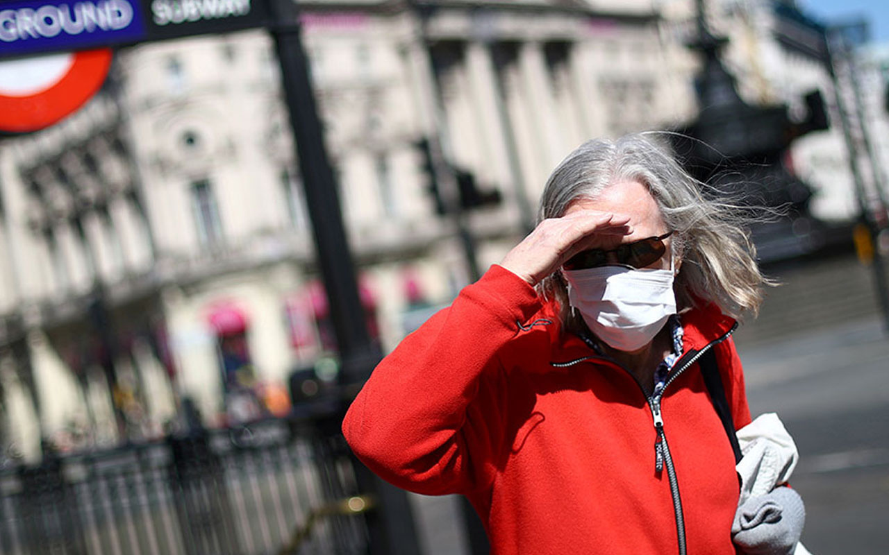 İngiltere ve İtalya'nın son 24 saatteki koronavirüs vaka sayısı