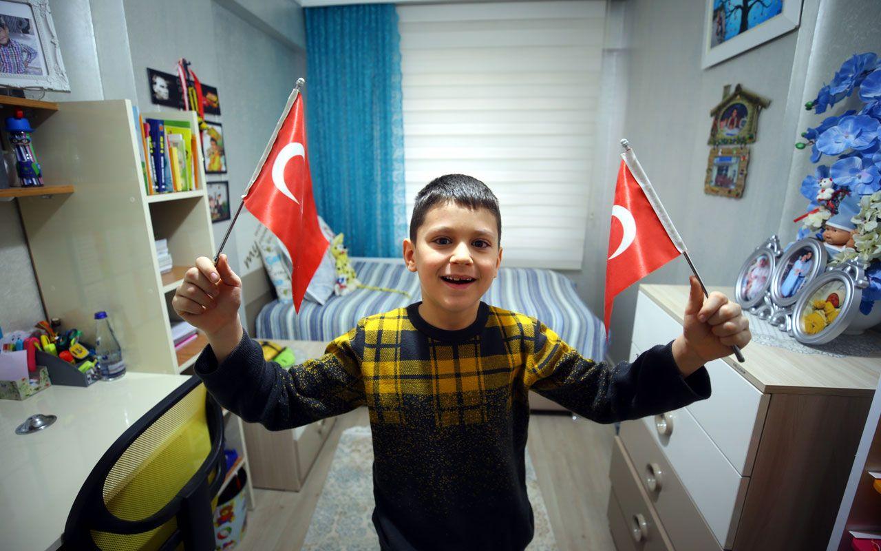 81 ilde tüm okullarda İstiklal Marşı coşkusu! İşte duygulandıran kareler