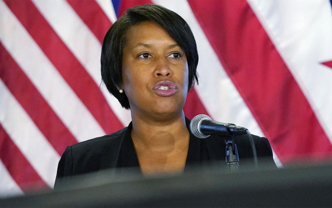 Washington DC Belediye Başkanı Biden'ın başkanlık yemin töreninde güvenlik önlemlerinin artırılmasını istedi