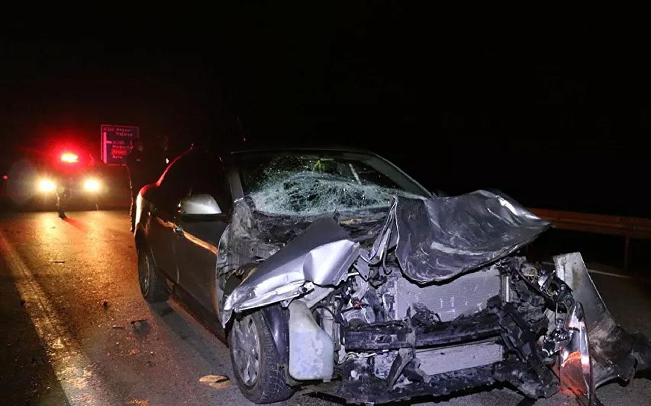 Bolu'da kaza yapan otomobil sürücüsü yaralı arkadaşını bırakıp kaçtı