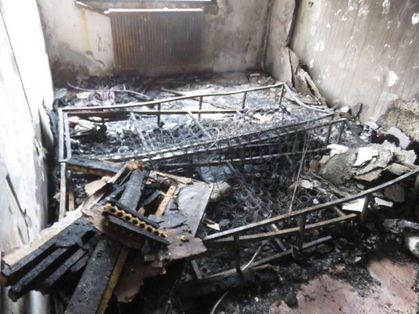 Ataşehir'deki dehşet evi görüntülendi! Ellerini ve ayaklarını bağlayıp evi ateşe verdi