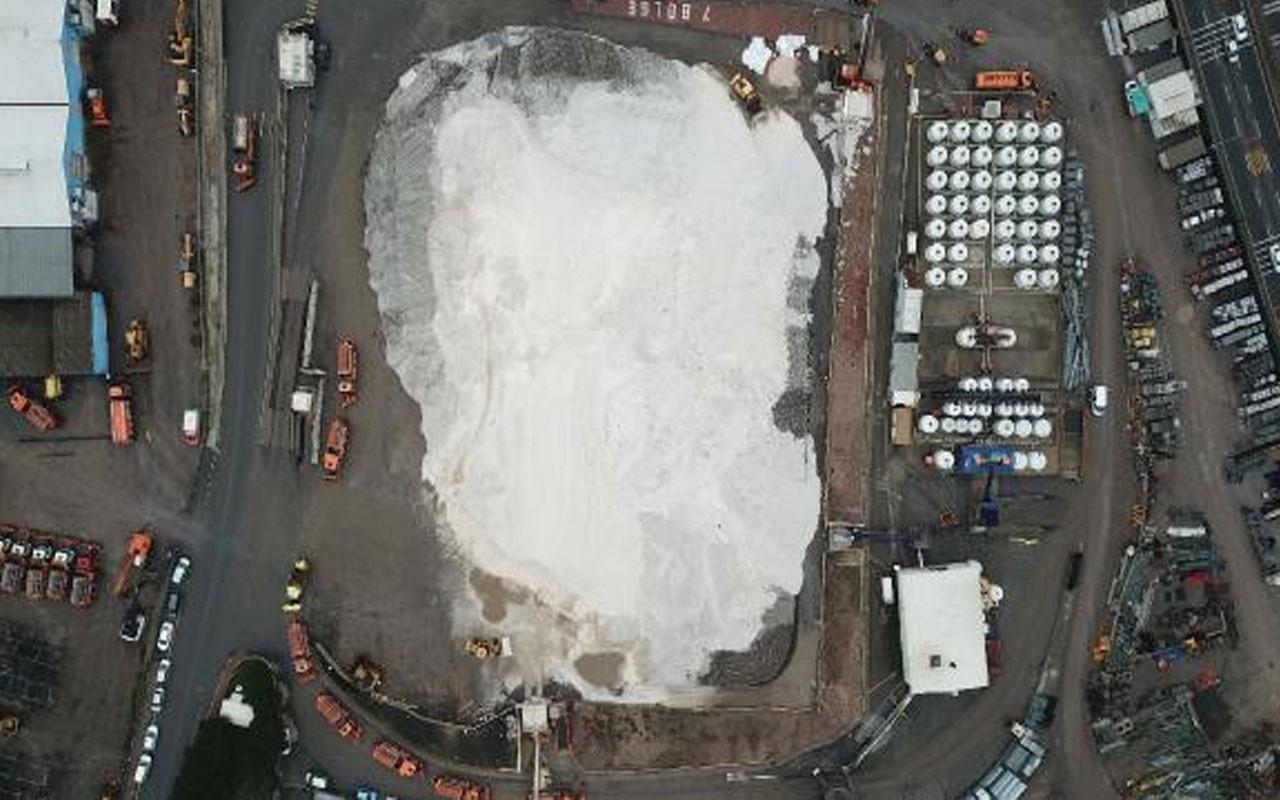 Kar uyarısı sonrası hazır bekletiliyor! Kartal'daki tuz dağı havadan fotoğraflandı