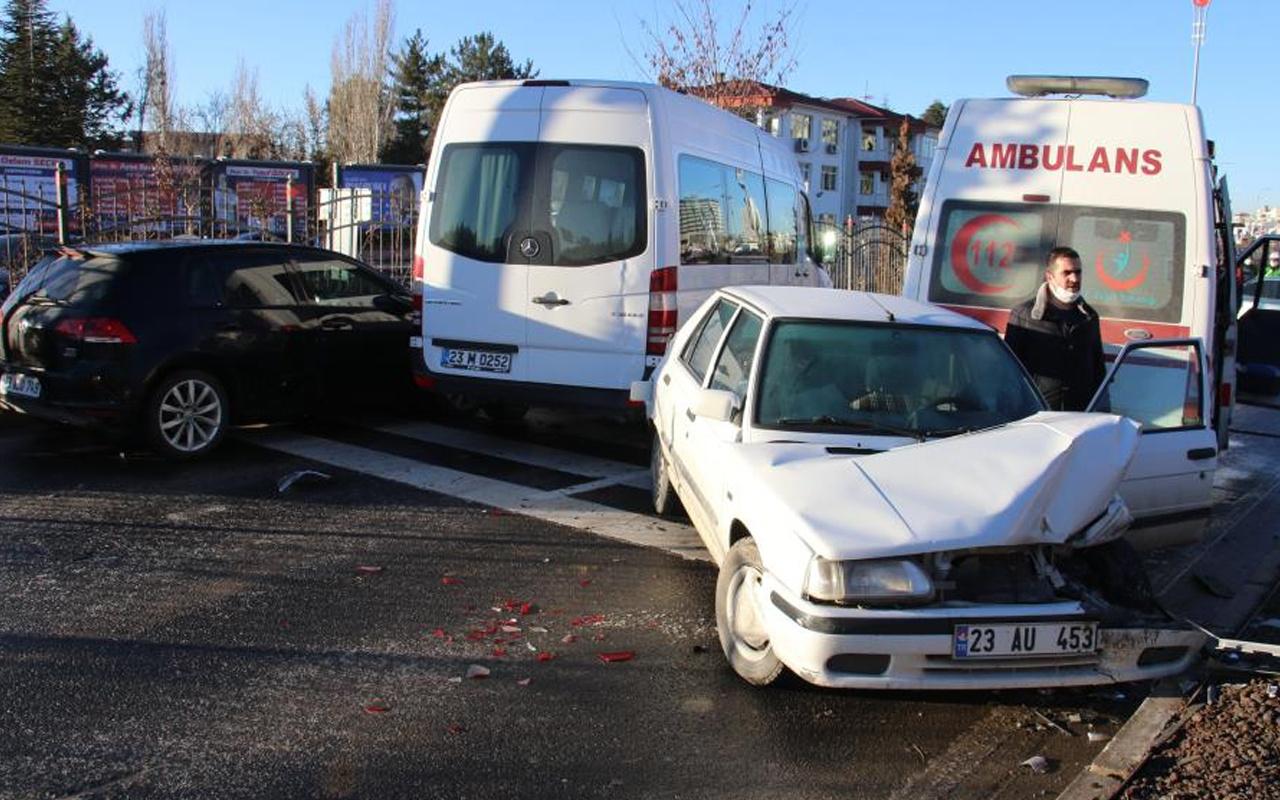 Elazığ'da kaza kazaya neden oldu! 18 araç birbirine girdi